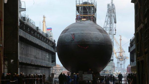 Спуск на воду подводной лодки Новороссийск. Архивное фото