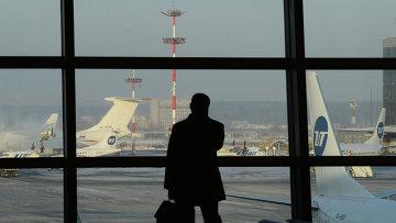 Пассажир аэропорту Внуково. Архивное фото