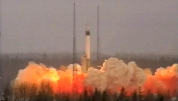 Запуск ракеты-носителя Рокот. Архив