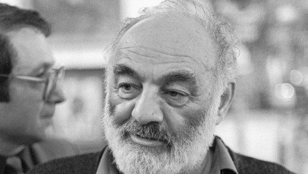 Кинорежиссер Сергей Параджанов, архивное фото