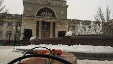 Цветы возле места взрыва в Волгограде. Архивное фото