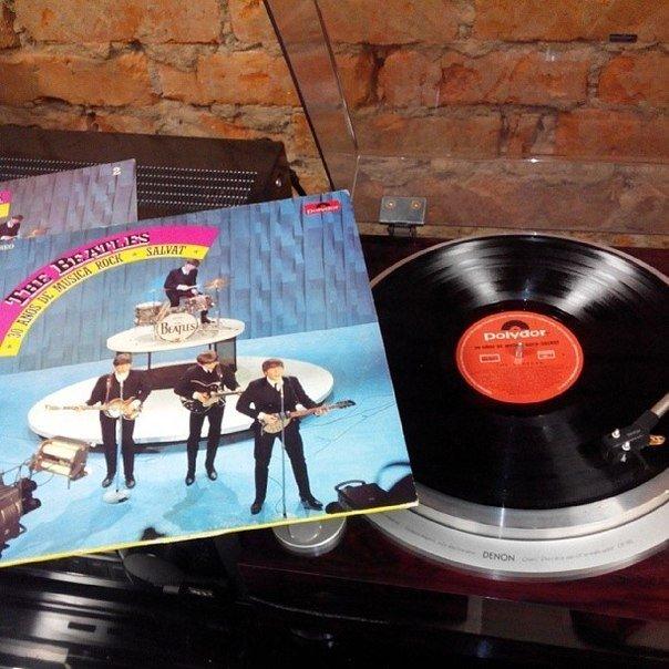 Редкое издание The Beatles на виниле. Архивное фото