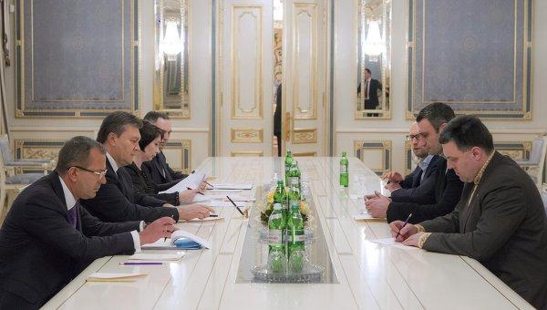 Встреча Виктора Януковича с лидерами оппозиционных парламентских фракций, архивное фото