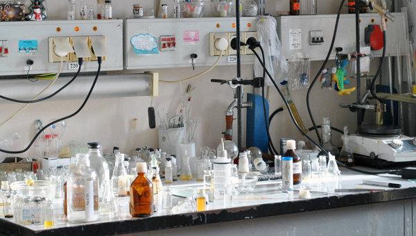 Рабочий стол ученого. Архивное фото.