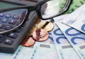 Евро, калькулятор, очки