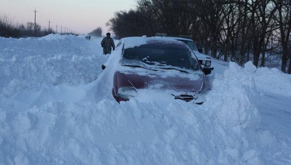 Снег на дорогах. Архивное фото