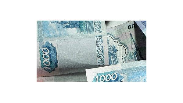 Рубль подорожал на открытии на 37 коп к доллару и упал на 7 коп к евро