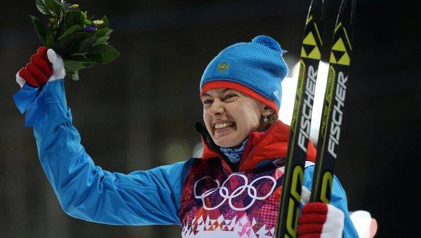 Ольга Вилухина (Россия), завоевавшая серебряную медаль в спринтерской гонке на соревнованиях по биатлону