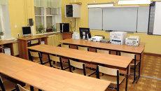 Средняя школа закрыта на карантин. Архив
