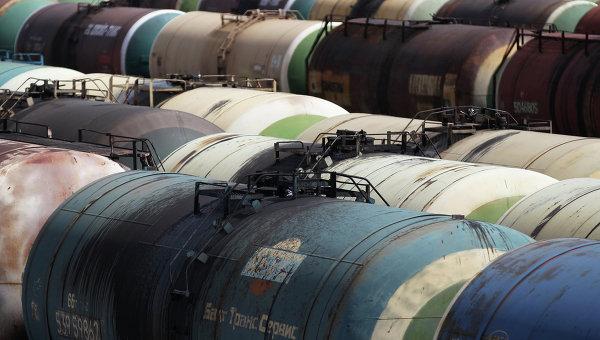 Цистерны с нефтью, архивное фото