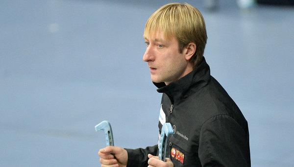 Евгений Плющенко перед началом выступления в короткой программе мужского одиночного катания