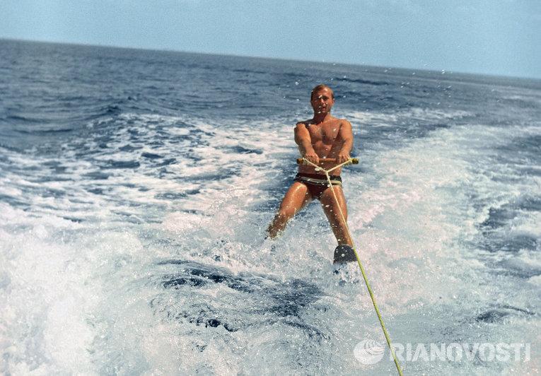 Юрий Алексеевич Гагарин на отдыхе