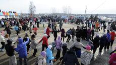 Празднование Масленицы в селе Сухобузимское Красноярского края, архивное фото