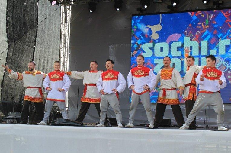 Томская дэнс-команда Юди выступает на Олимпиаде в Сочи