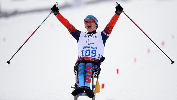 Светлана Коновалова (Россия) на финише гонки на длинной дистанции. Фото с места события