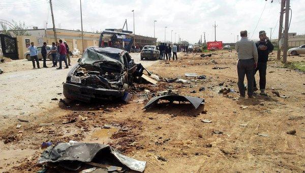 На месте взрыва рядом с военной базой в Бенгази