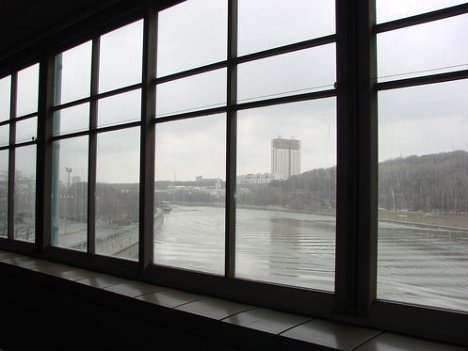 Вид на РАН из станции метро Воробьевы горы