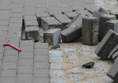 Замена тротуарной плитки в районе станции метро Таганская