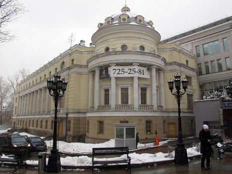 Пустующее здание по адресу: Волхонка, 6