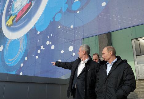 Премьер-министр РФ В.Путин побывал в гостях у Клуба веселых и находчивых в Москве