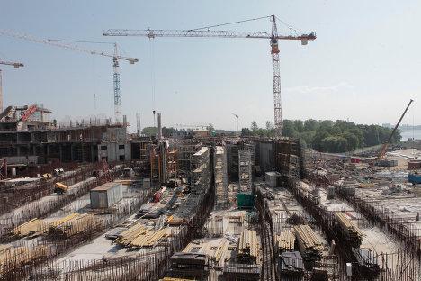 Строительство нового футбольного стадиона Зенит на Крестовском острове в Санкт-Петербурге