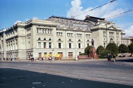 Ленинградская консерватория имени Н. А. Римского-Корсакова.