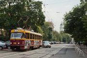 Улица Шаболовка в районе станции метро Октябрьская в Москве