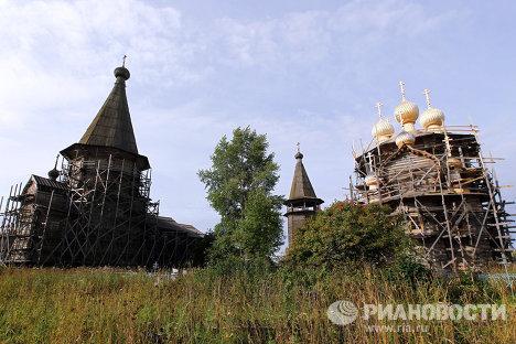 Реставрация ансамбля деревянных церквей в селе Лядины