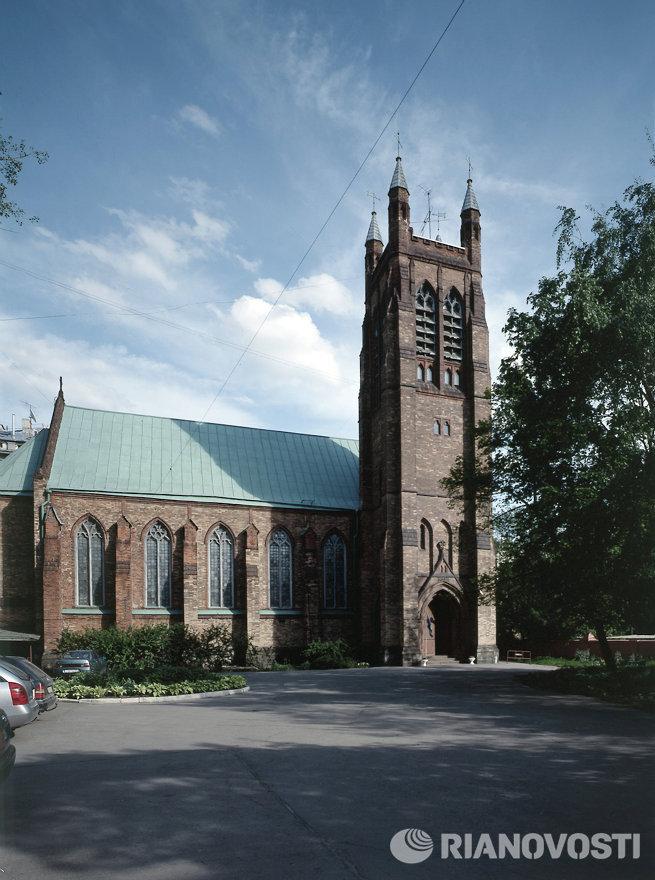 Англиканская церковь Святого Андрея в Вознесенском переулке в Москве