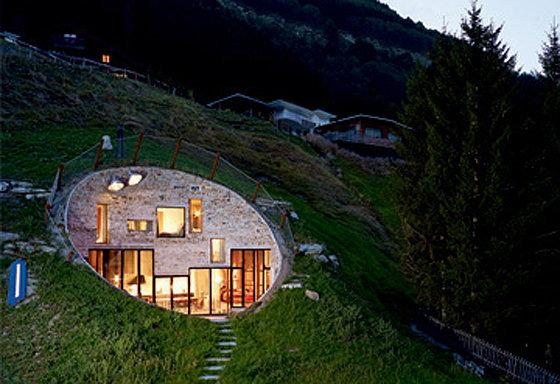 Дом-нора в Швейцарии