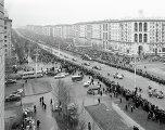 Москвичи приветствуют космонавта Георгия Берегового