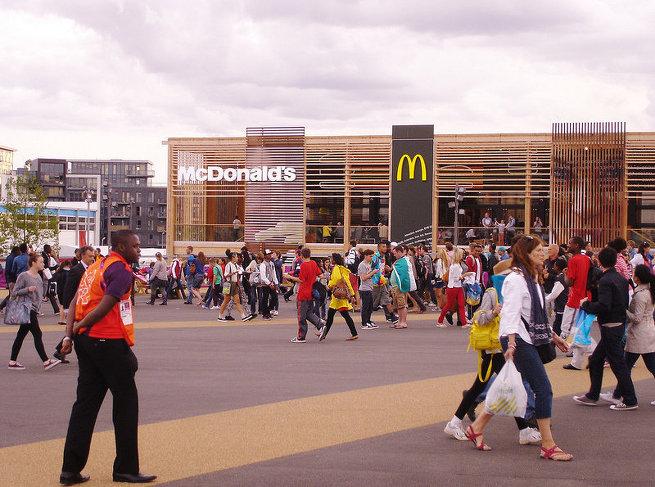 Самый большой ресторан сети Макдоналдс в Лондоне