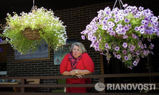Тренер по фигурному катанию Татьяна Тарасова в своем доме в Подмосковье