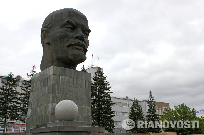 Памятник Владимиру Ильичу Ленину в Улан-Удэ