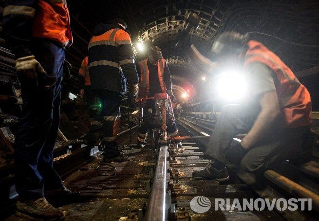 Ремонтные работы на путях участка Замоскворецкой линии Белорусская - Новокузнецкая