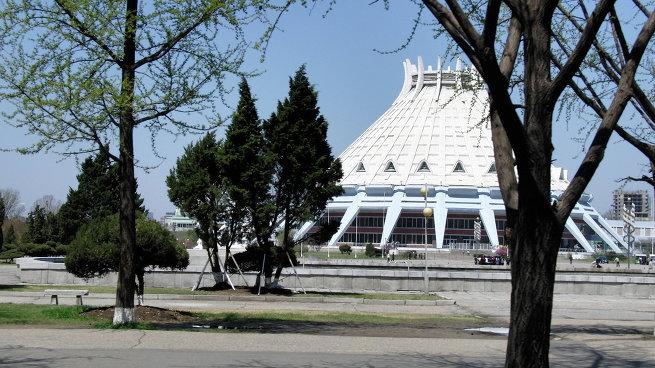 Ледовый дворец в Пхеньяне