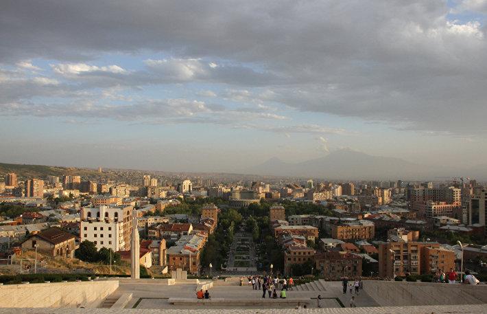 Панорама Еревана (Армения)