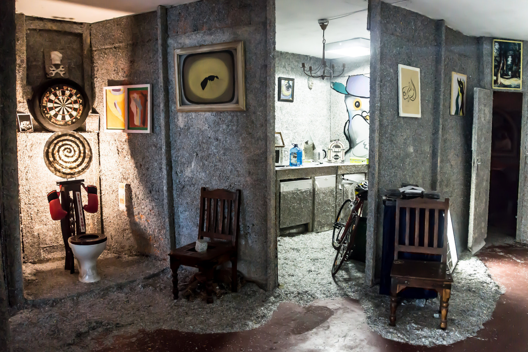 Дом из денежных купюр Фрэнка Бакли в Ирландии