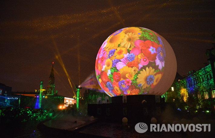 Второй московский международный фестиваль Круг света