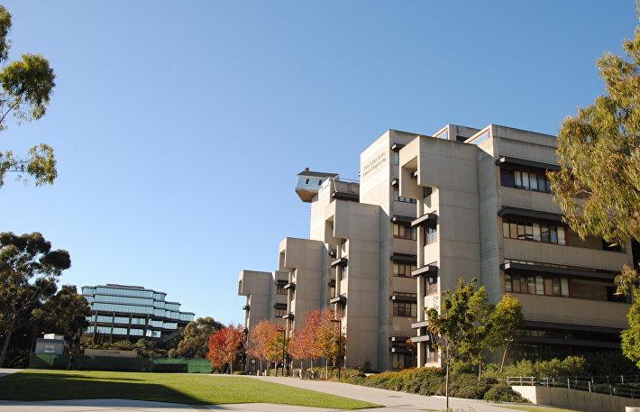 Дом на крыше университета в Сан-Диего