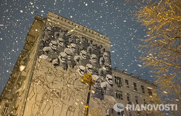 Граффити по мотивам фильма Звездные войны в Москве