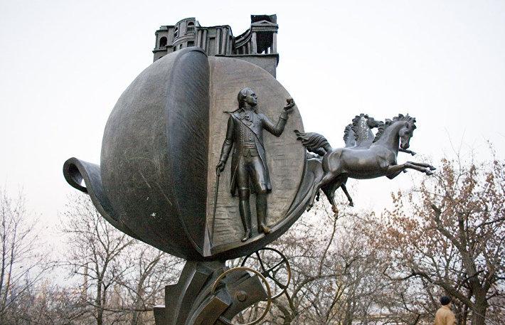 Монументальная взятка: знаменитые скульптуры мира с политическим подтекстом