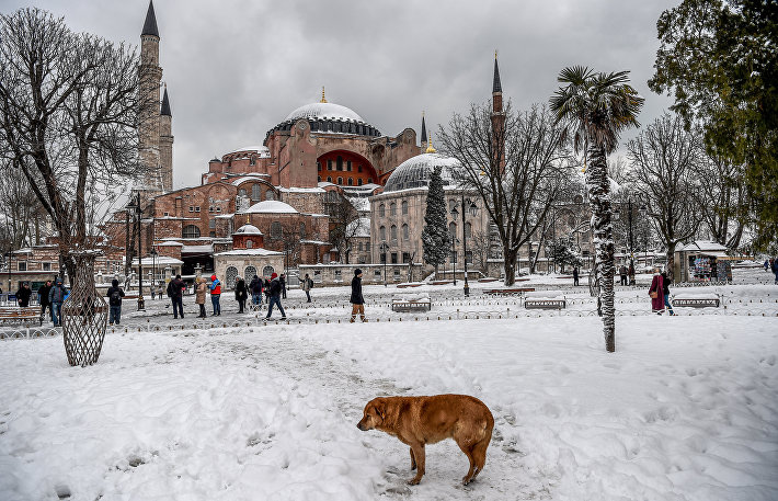 Заснеженный Стамбул