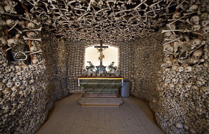 Капелла черепов в Кудрове