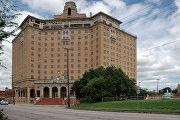 Отель Бейкер в городке Минерал-Уэлс, США
