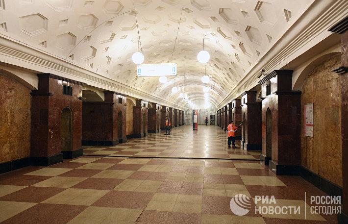 Проведение ремонтных работ на станции метро Красные Ворота