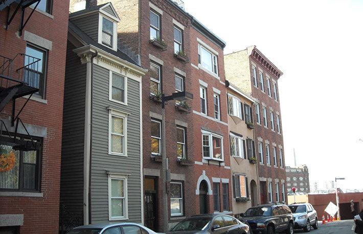 Узкий дом, Бостон