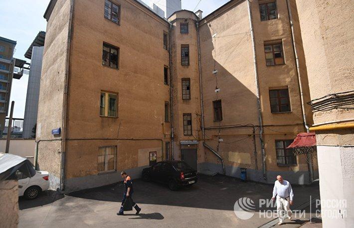 Четырехэтажный жилой дом в Панфиловском переулке в Москве